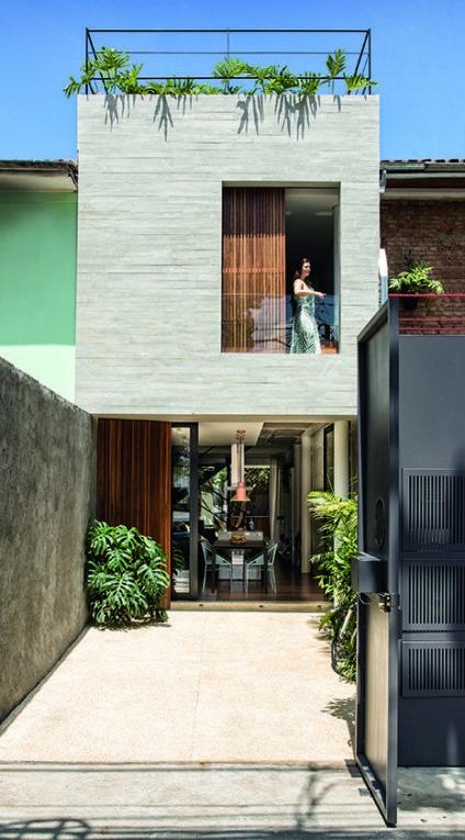 Nhà phố thiết kế tích hợp ánh sáng tự nhiên vào không gian